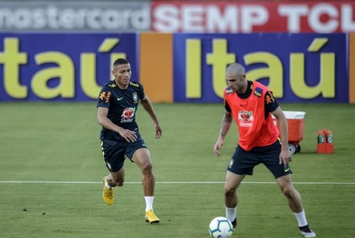 Seleção brasileira treinou