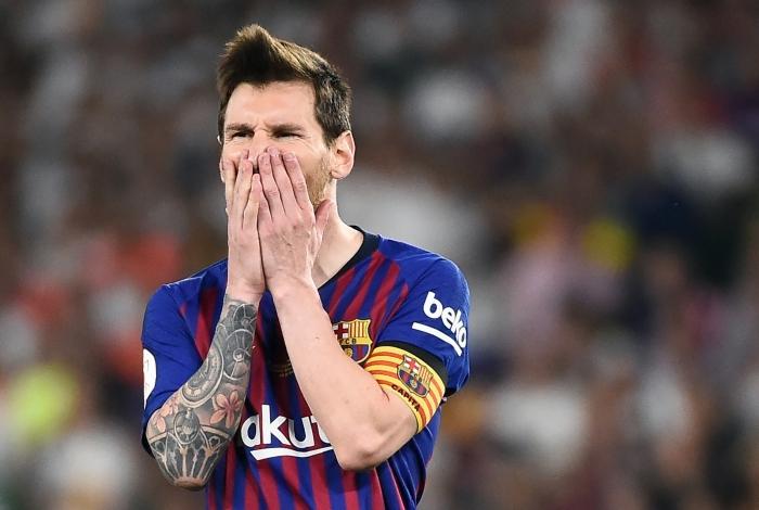 Messi decepcionado após perder a decisão da Copa do Rei