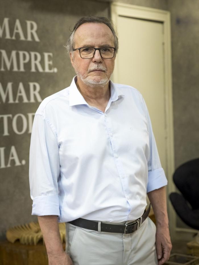 César (Tato Gabus Mendes), em 'Malhação — Toda forma de amar'