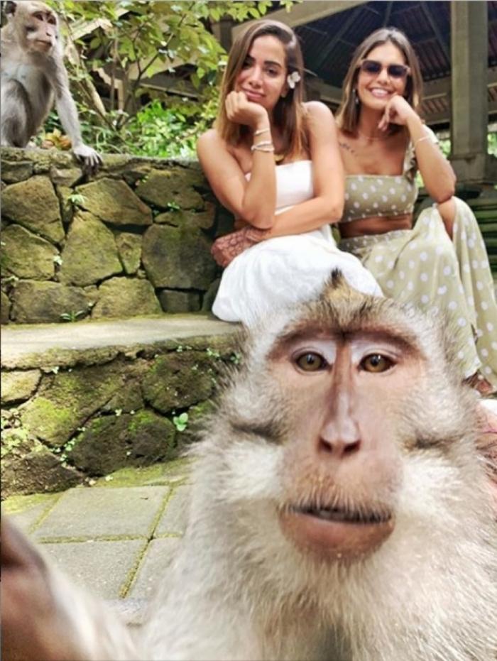 Anitta mostra fotos de sua viagem à Indonésia