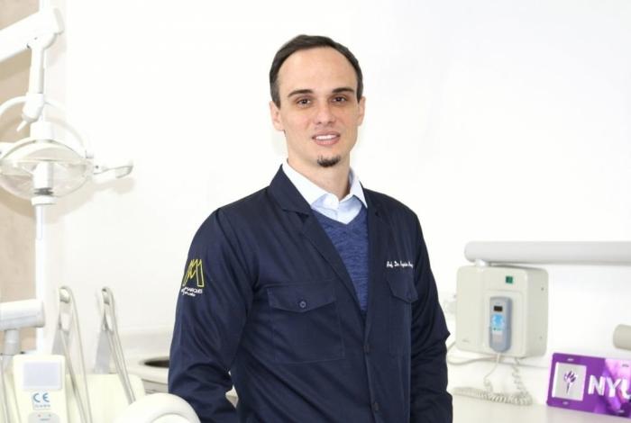 O cirurgião-dentista Dr. Rogério Marques explica como funciona a lipoaspiração de papada