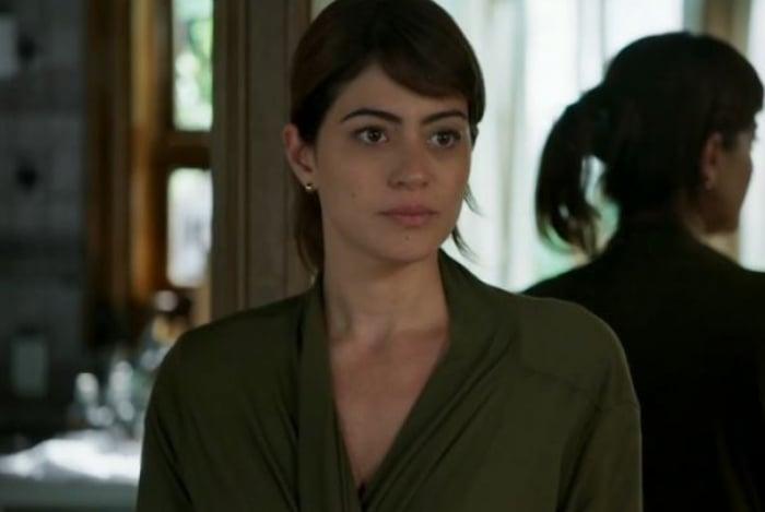 Helena (Carol Castro), em 'Órfãos da Terra'