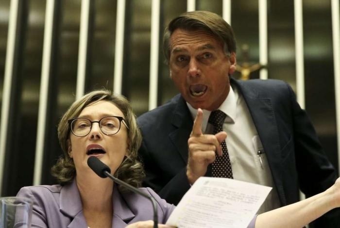 Bolsonaro e Maria do Rosário se enfrentam na Justiça em processo de injúria e apologia ao crime de estupro