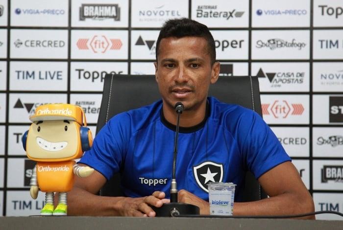 Cícero aposta no crescimento do Botafogo