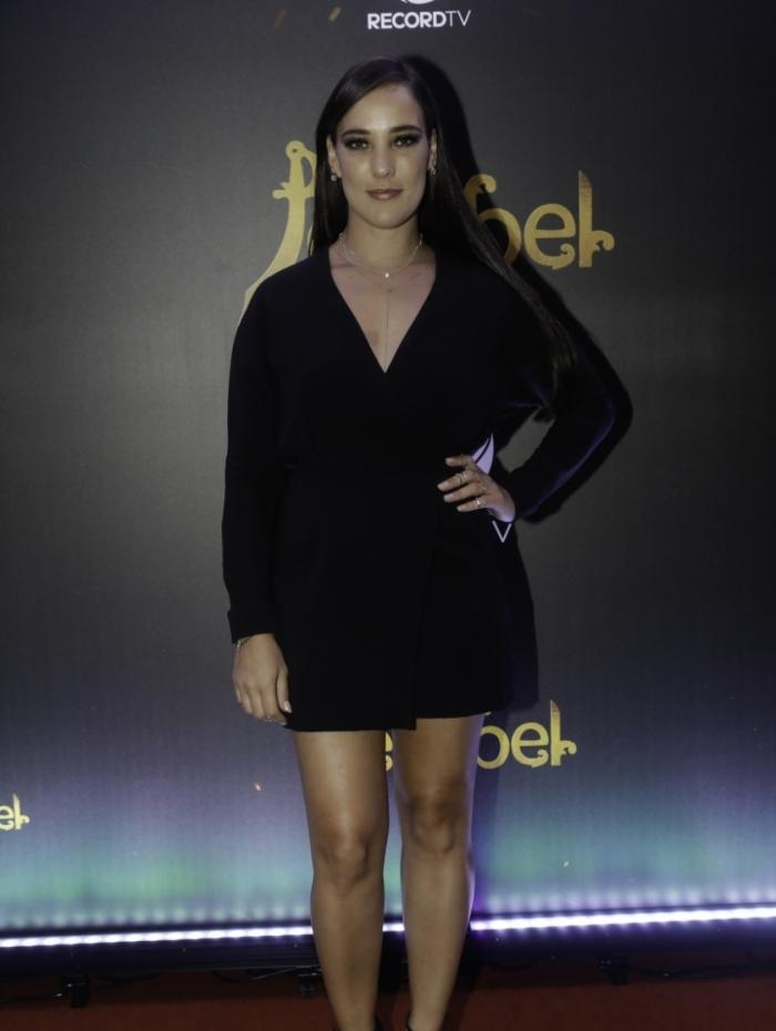 Adriana Birolli dá vida a Aisha em Jezabel, da Record TV