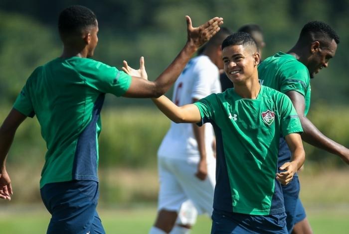 Miguel, de 16 anos, brilhou em jogo-treino do Fluminense