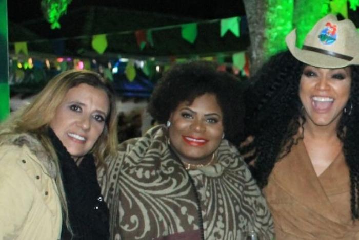 Jojo Todynho, Rita Cadillac e outros famosos curtem Arraiá Beneficente em São José dos Campos