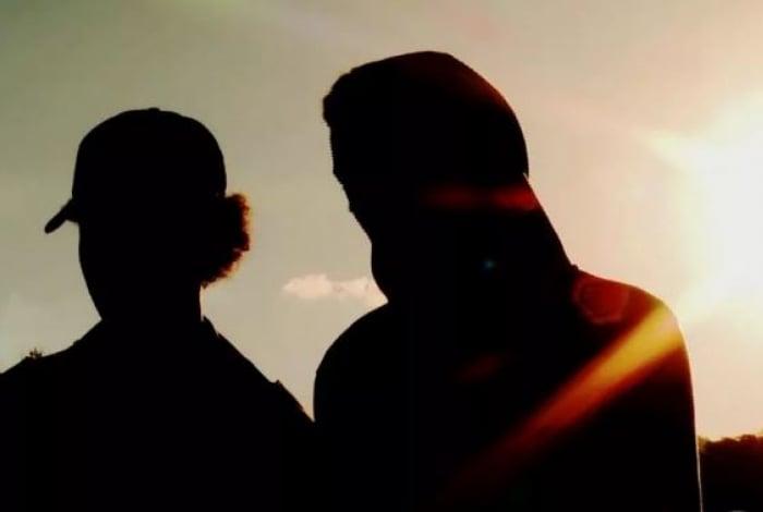 Jovens acusam dois policiais militares e seguranças da SuperVia de os obrigarem a fazer sexo oral