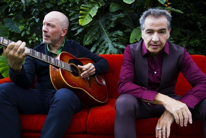Nasi e Edgard Scandurra apresentam, pela primeira vez no Teatro VillageMall Rio, o show que denominaram de Ira! Folk
