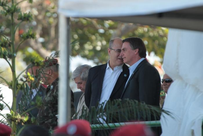 Brevetação de soldados paraquedistas com a presença do presidente Bolsonaro e o Governador Witzel, na Vila Militar.                    Estefan Radovicz / Agência O Dia                               CIDADE,RIO,FORMATURA,MILITAR       Byline