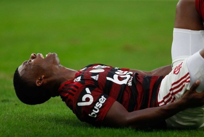 Rio, 28/07/2019, Flamengo x Botafogo, na foto Lincoln se machuca no jogo, Foto de Gilvan de Souza / Agencia O Dia
