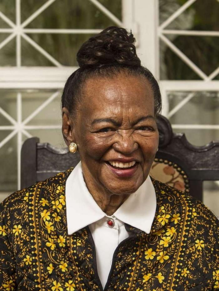 Ensaio Capa Consciência Negra - CADERNO D - A atriz veterana Ruth de Souza. Rj, 06 de novembro. Foto Marcio Mercante / Agência O Dia.