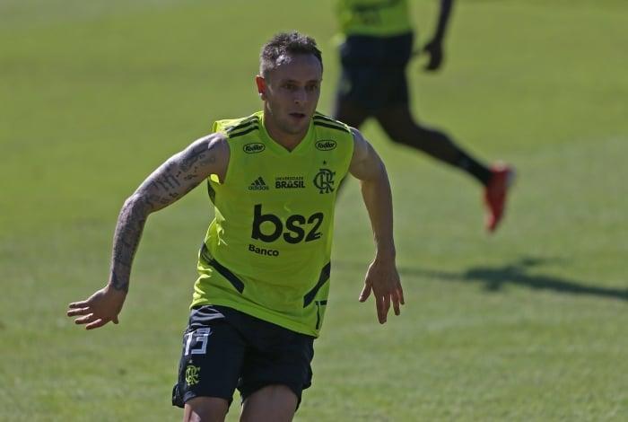 Rafinha realizou seu primeiro treino no Flamengo