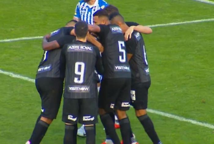 Botafogo vence o Avaí em Florianópolis