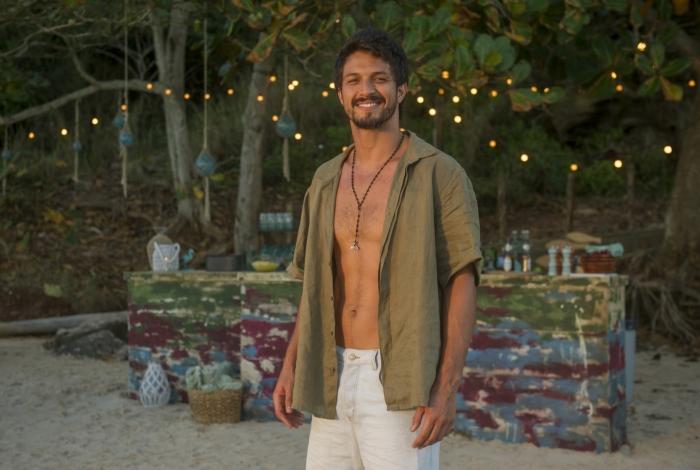 Romulo Estrela interpreta Marcos, em 'Bom Sucesso'