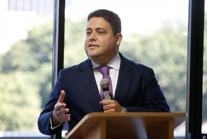 Presidente da OAB, Felipe Santa Cruz diz que 'Brasil tem a pior gestão da pandemia do mundo'