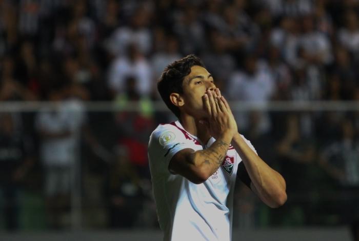 Não bastasse a derrota, o Fluminense ainda perdeu Pedro machucado no fim do primeiro tempo