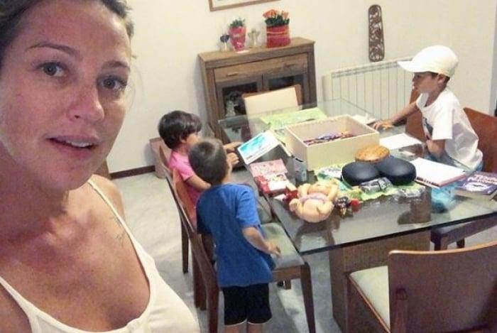 Luana Piovani posta fotos com os filhos e alfinete ex-marido