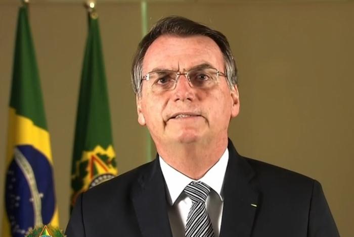Bolsonaro faz pronunciamento sobre queimadas na Amazônia