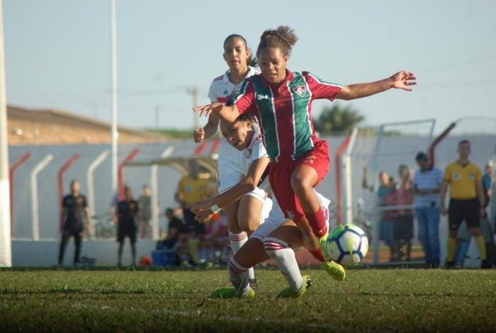 CBF suspendeu o Brasileirão Feminino sub-18 após o Fluminense entrar no STJD