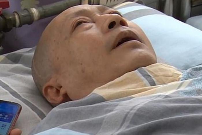 Homem se declara para esposa após sair de coma de cinco anos