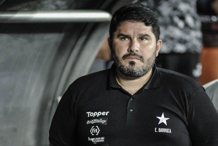 Eduardo Barroca tem a missão de convencer os jogadores de que a fuga da Série B é possível