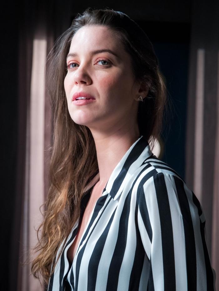 Nathalia Dill prepara casamento e fala sobre o futuro de Fabiana