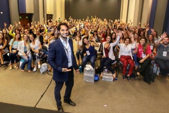 Médico Victor Sorrentino ensina hábitos saudáveis nas redes sociais