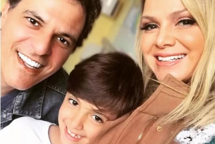 João Marcello Bôscoli compartilhou uma foto rara com o filho, Arthur, e Eliana.