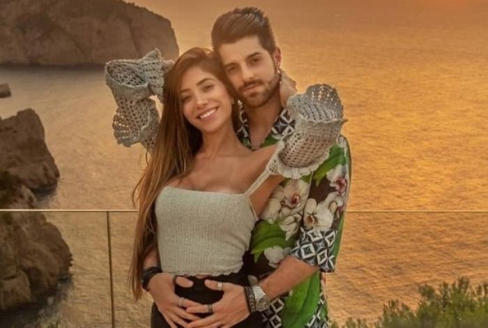 Alok e a mulher, Romana Novais