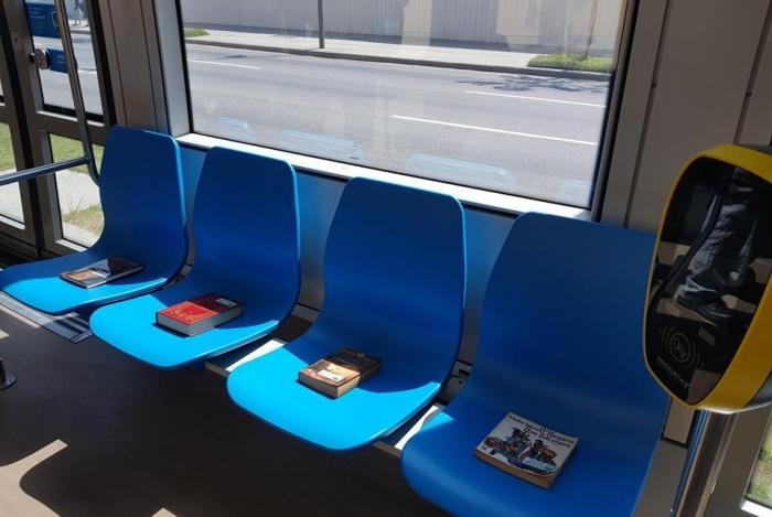 Projeto Leitura no Vagão distribuía livros gratuitamente no transporte público