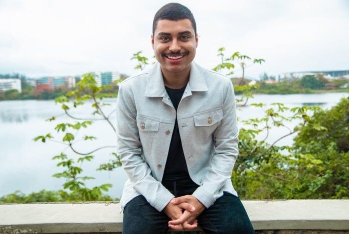 Fábio Santana, de apenas 22 anos, é um dos ícones do meio de digital creators