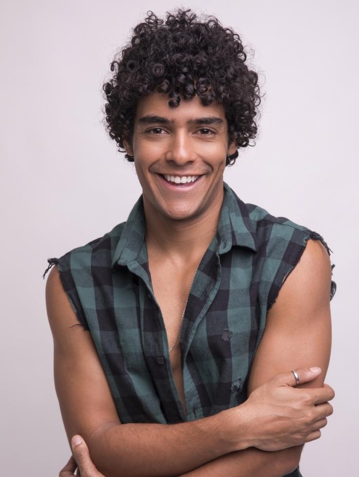 Igor Fernandez vive o popular Luan em