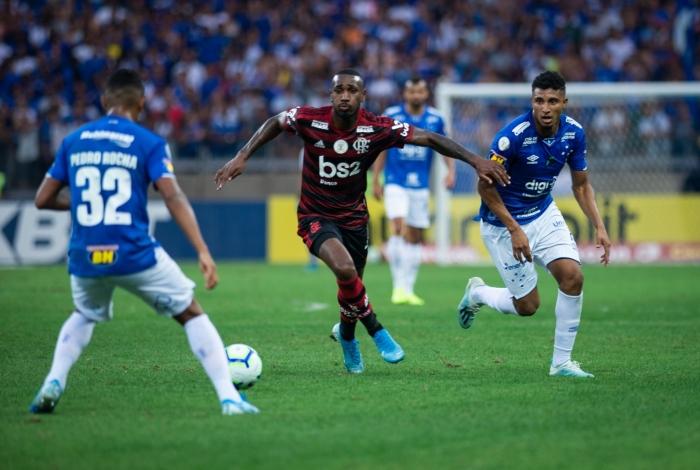 Cruzeiro e Flamengo fizeram jogo movimentado