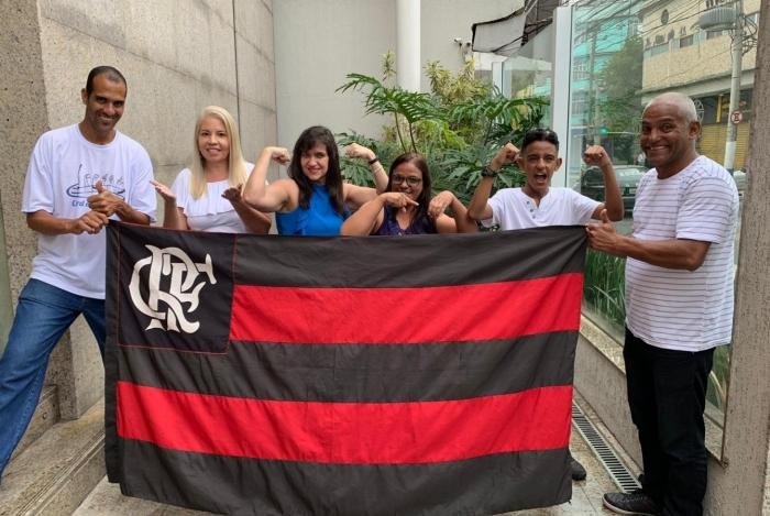 Surdos comemoraram em dose dupla a vitória do Flamengo