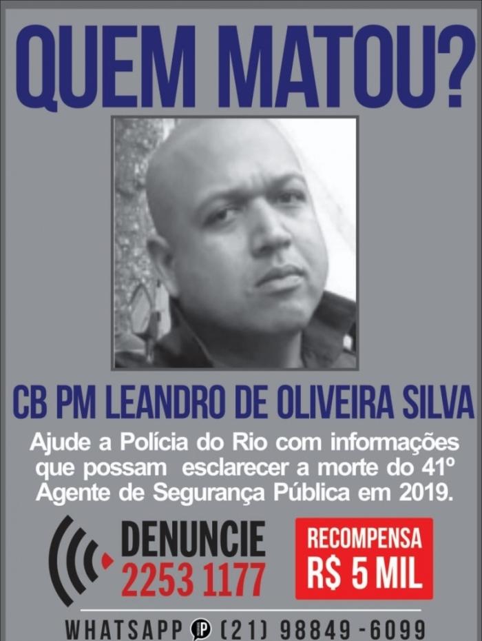 Cartaz pede informações sobre morte de PM em Benfica