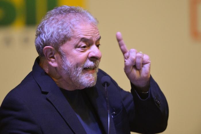 Lula está preso desde 7 de abril do ano passado, na Superintendência da Polícia Federal em Curitiba