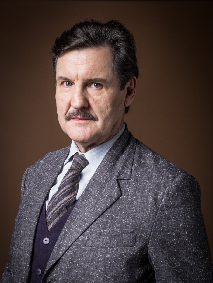 Júlio (Antonio Calloni), em 'Éramos Seis'