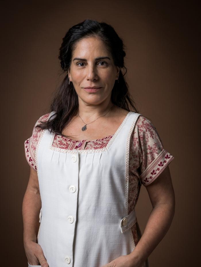 Lola (Gloria Pires), em 'Éramos Seis'