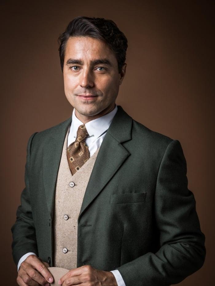Almeida (Ricardo Pereira), em 'Éramos Seis'