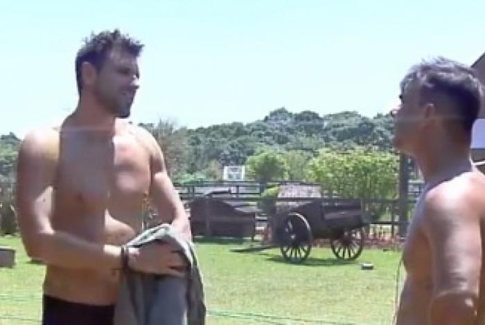 Guilherme Leão revela amor por Tati