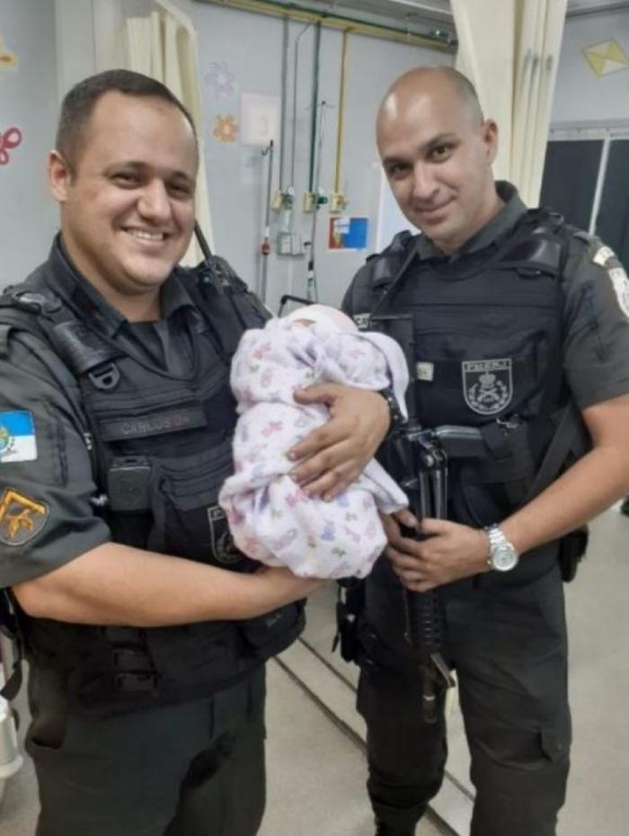Bebê de sete dias de vida foi abandonado em rua de Botafogo e encontrado por policiais militares