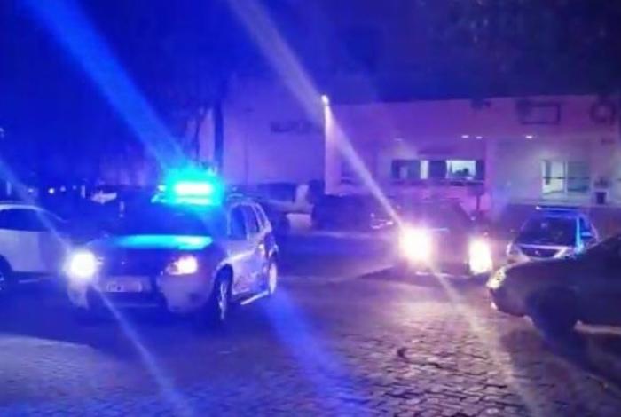 Polícia busca o homem após encontrar estúdio