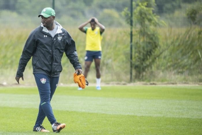 Técnico Marcão tem inúmeros problemas para resolver no Fluminense