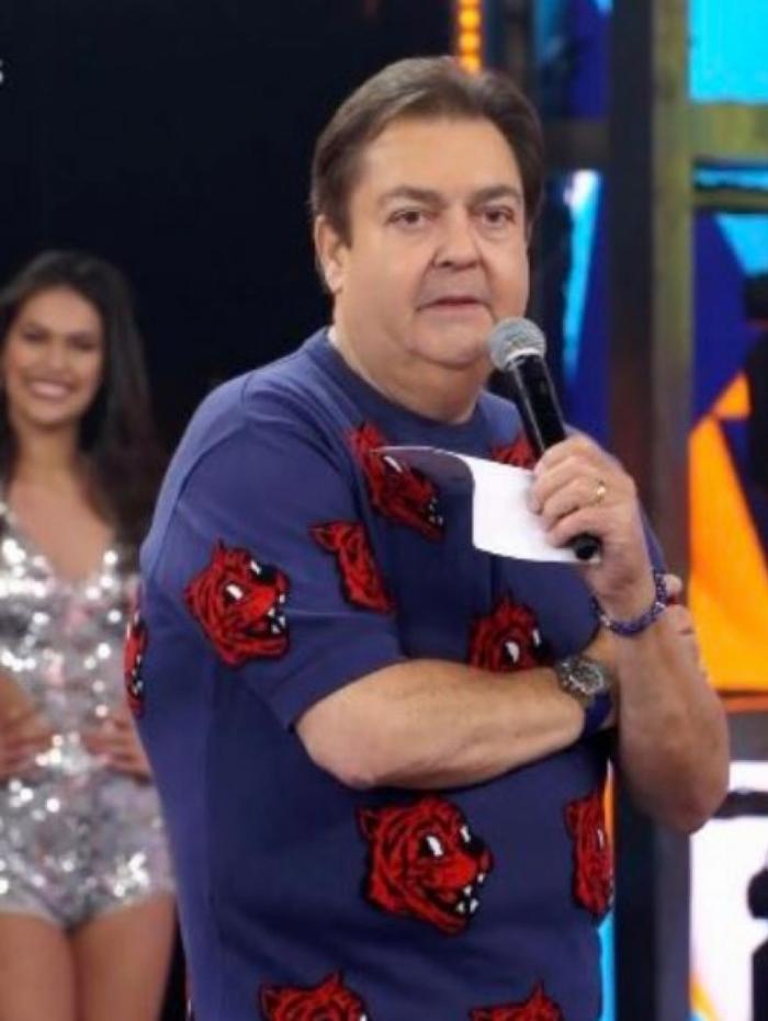 Faustão usou blusa de tigres da grife Moschino