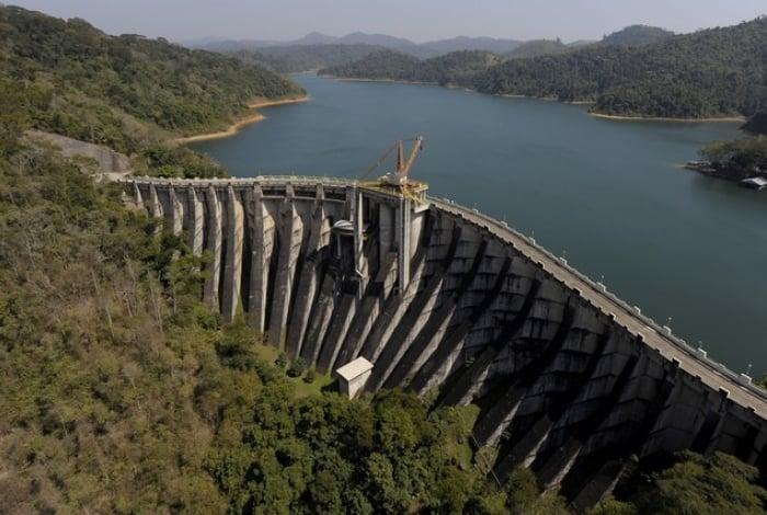 Cedae interrompe fornecimento de água de Ribeirão de Lajes, em Piraí