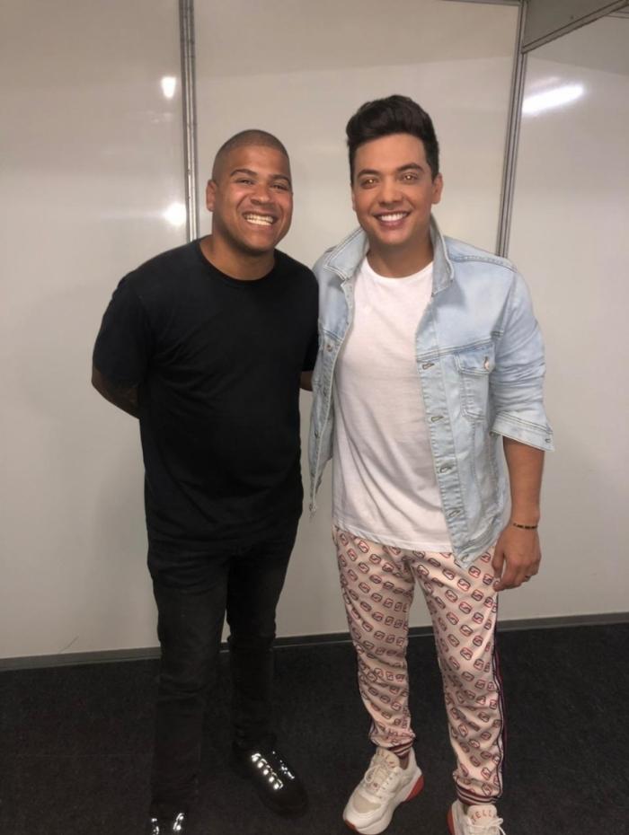 DJ Timotinho e Wesley Safadão posam juntos