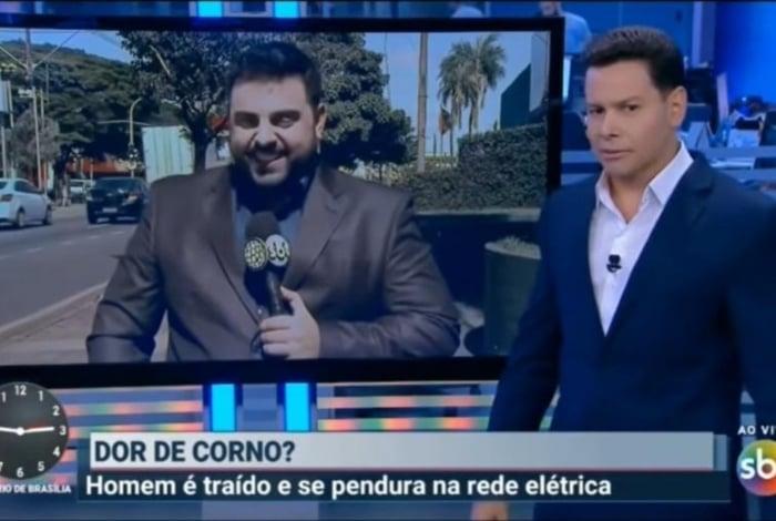 Apresentador Marcão do Povo durante o telejornal