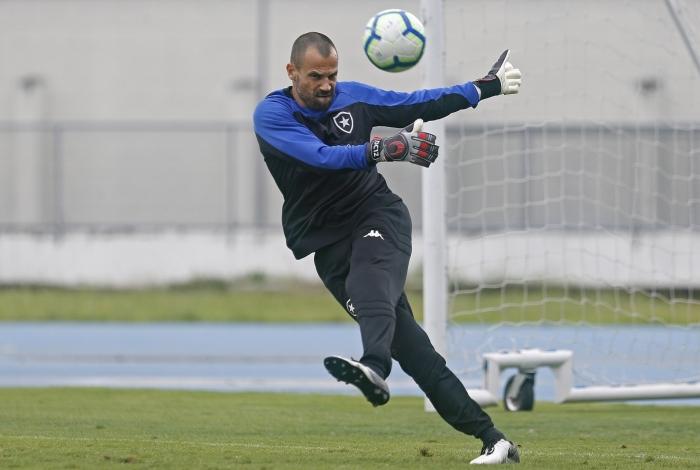 Diego Cavalieri será o goleiro titular do Botafogo, já que Gatito foi convocado pela seleção do Paraguai