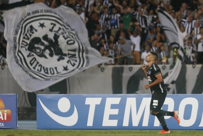 Botafogo festeja o seu gol diante do Corinthians
